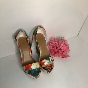 Bamboo floral high heeled shoes